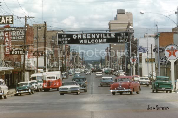 FAMOUS SIGN IN DOWNTOWN GREENVILLE TEXAS CIRCA 1956